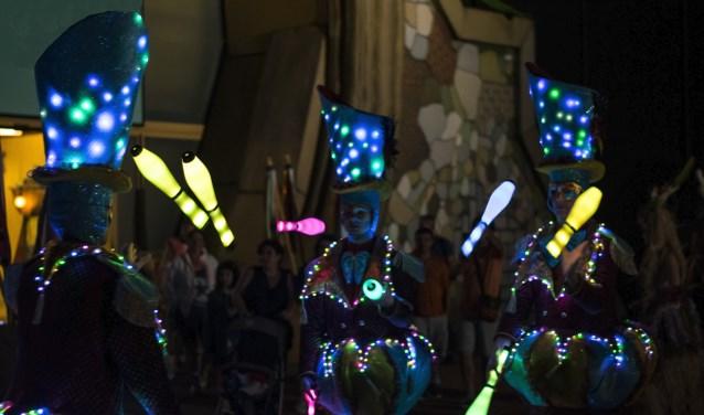 Een Zoetermeers avontuur in Azië. Circo di Strada van Jovel Entertainment uit Zoetermeer gaat optreden tijdens het Chinese Nieuwjaar in Hong Kong. Foto: Vera Weber