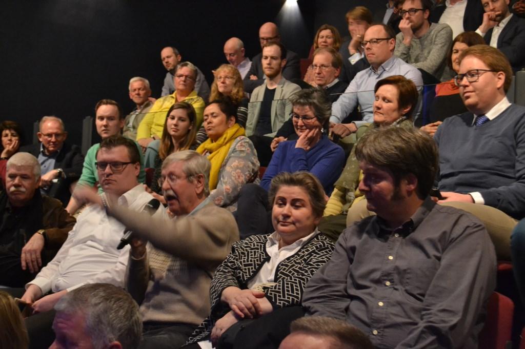 Het publiek mocht ook vragen stellen.  Foto:  © Het Krantje