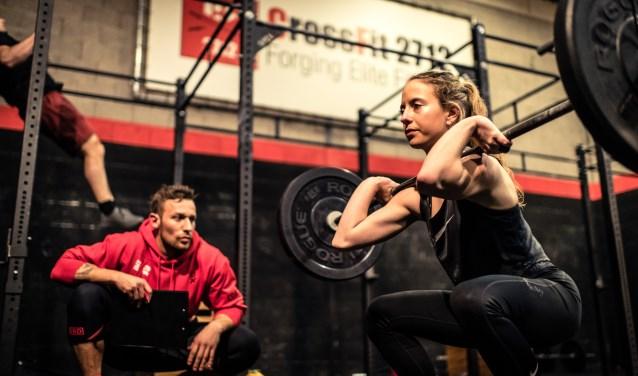 De Zoetermeerse tiener Demi Bosma traint bij CrossFit 2712. Foto: barbellphotography