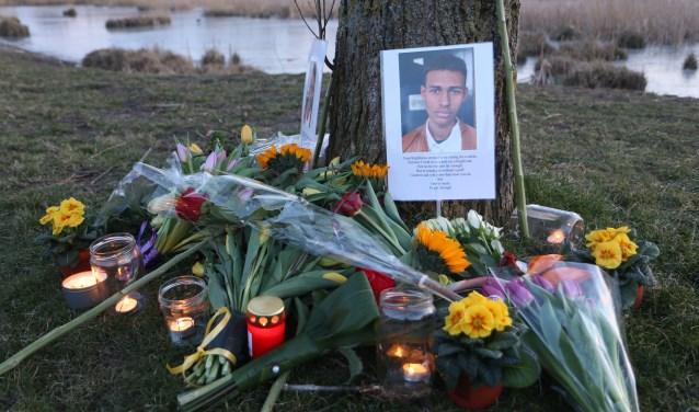 Vrienden hebben bij de Böttgerwater een herdenkingsplekje voor Orlando gemaakt. Foto: Regio15