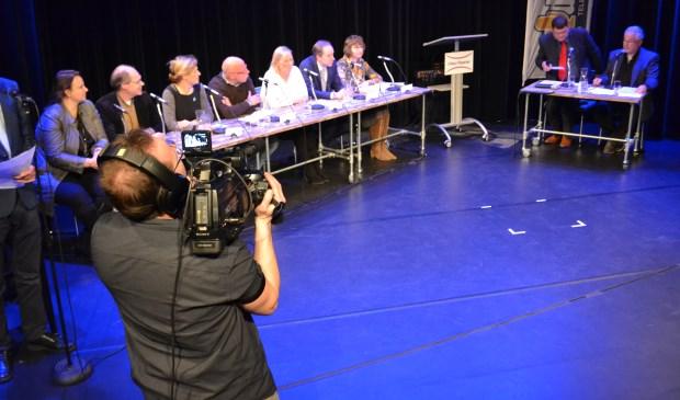 Tijdens het debat werden er opnamens gemaakt die live uitgezonden werden op Midvliet TV. (Foto: Inge koot)