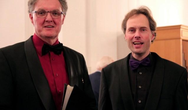 Voorzitter Ton Brabander (l.) met dirigent Marco Kalkman. Foto: pr