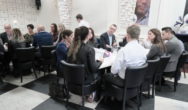 Samen aan de slag om tijdens WERK! jongeren met een afstand tot de arbeidsmarkt aan een baan te helpen. Foto: pr