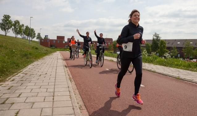 Naast de estafette marathon (foto) is er de wandeltocht langs de groene randen van de stad. Foto: Jos van den Eijnden