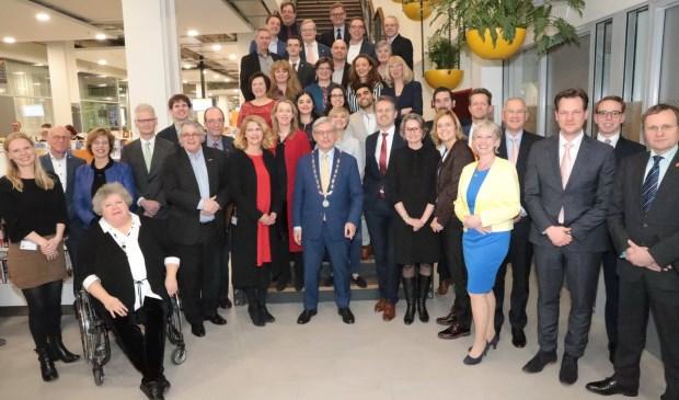 De nieuwe gemeenteraad van Zoetermeer is klaar om aan de slag te gaan. Eerst nog met behulp van een externe informateur een coalitie zien te vormen. Foto: Jan van Es