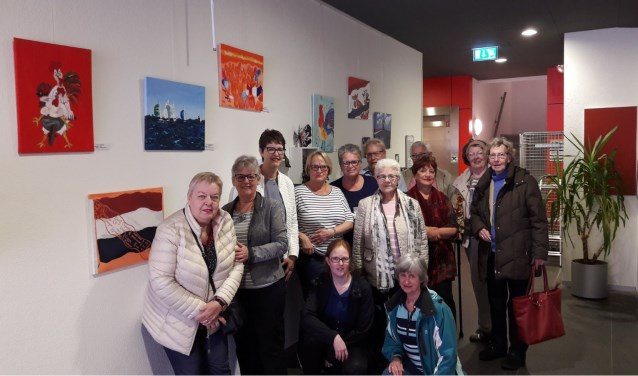 Kleurrijke Hollandse expositie van schildergroep Oosterheem in WelThuis verpleegtehuis Magnolia. Foto: pr