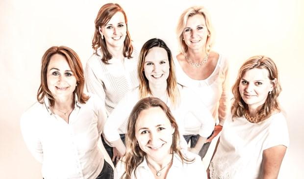 Het team van JewelEar Eline, Marjolein, Merel, Dorotha, Marieke en vooraan Marije. Foto: Lourenz Ruiter