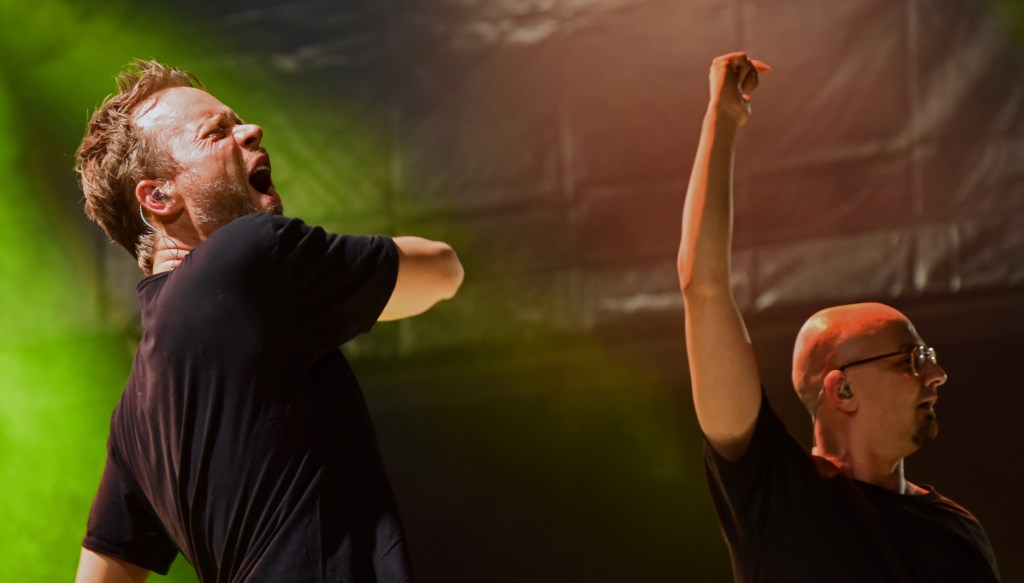 Diggy Dex met rapper Skiggy Papz. Foto: Jerrold-Mallee © Postiljon