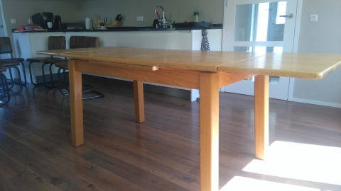 Eettafel Uitschuifbaar Gebruikt.Uitschuifbare Eettafel 140 220 Cm Marktplein