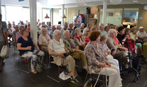 De zaal in wijkcentrum de Plint zal bomvol tijdens de informatiemiddag 'Voel je thuis'. (Foto: Inge Koot)