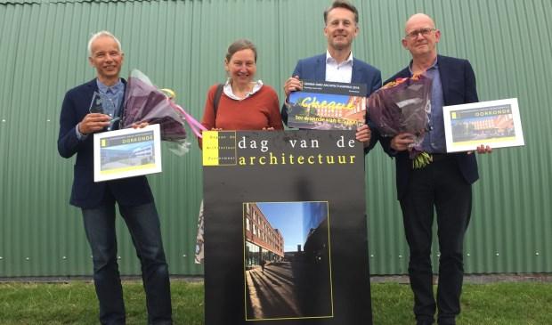 Winnaars Gemma Smid Architectuurprijs 2018 met Gemma Smid en wethouder Robin Paalvast. Foto: Alex Berendsen
