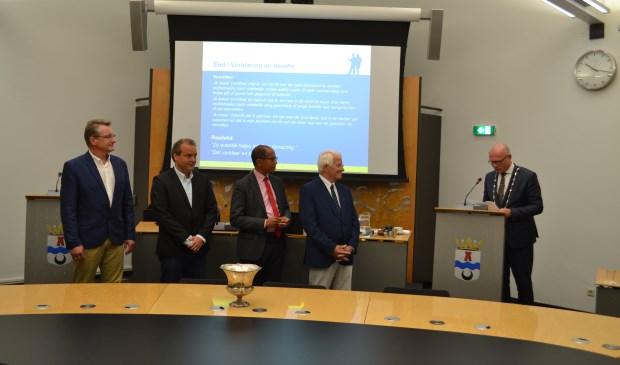 De heren Verschoor, Brans,  Blokland en Strous zijn benoemd als raadslid. (Foto: Inge Koot)