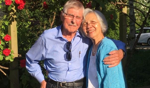 John van den Broeke (91) die thans woonachtig is in Canada, ontmoette na 70 jaar Loes Eisenring-March in Leidschendam (foto: Pieter v.d. Broeke).
