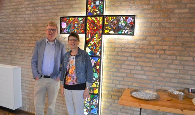 Het jubilerende predikantenechtpaar Jan en Els van der Wolf is alweer bijna 5 jaar verbonden aan de Protestantse gemeente De Open Hof in Voorburg (tekst/foto: Inge Koot).