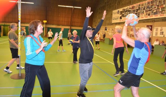 Tonny Sutikno sport bij Hart voor Sport. (foto/tekst: Inge Koot).