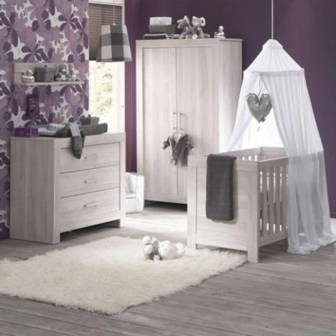 Babykamer Zonder Kast.Complete Babykamer Ledikant Commode Kast Matras Marktplein