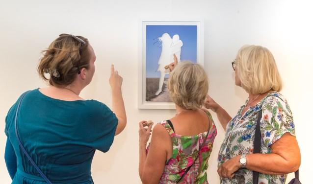 De getalenteerde keramisten Trudi van Loon en Mo Cornelisse tonen hun werk in het TERRATORIUM. Foto: Annelize van der Helm