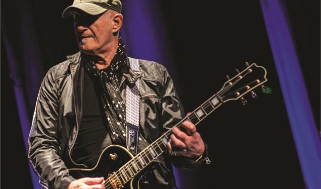 Jan Akkerman, zaterdag 8 september met My Brainbox aanwezig op het JJ's Blues & Roots Festival. Foto: Sander Drooglever