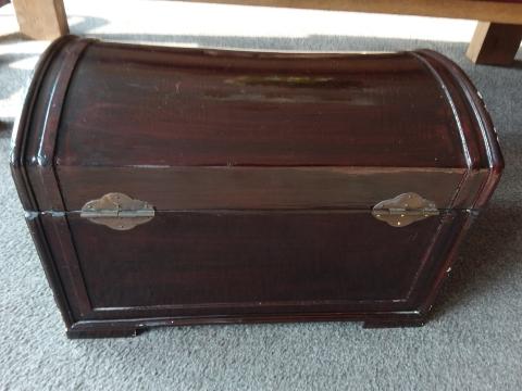 Mooie Houten Box.Mooie Houten Kist Met Origineel Sluitwerk Marktplein