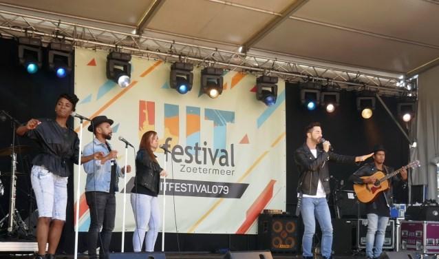 Een zonovergoten dag vol professionele previews, optredens van Zoetermeerse talenten en ander leuk vermaak. Foto: Jan van Es
