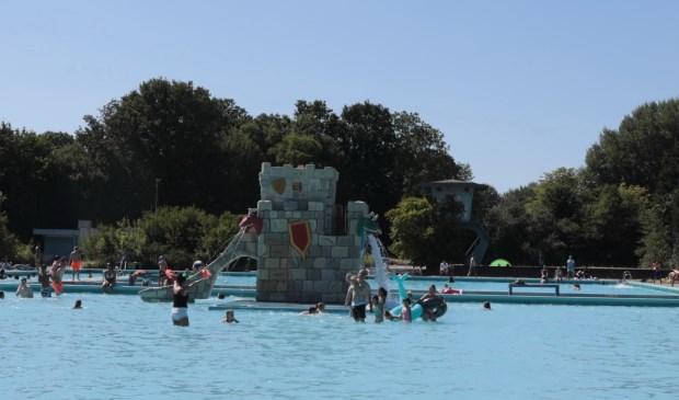 Sinds de sluiting van zwembad Het Keerpunt is er een duidelijke wens van de Zoetermeerders naar meer recreatief zwemwater. Foto: Jan van Es