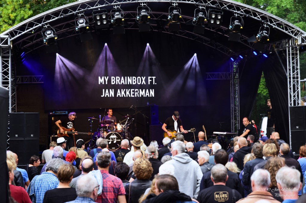 Brainbox ft. Jan Akkerman op het podium bij JJ Music House. Foto: JERROLD-MALLEE © Postiljon
