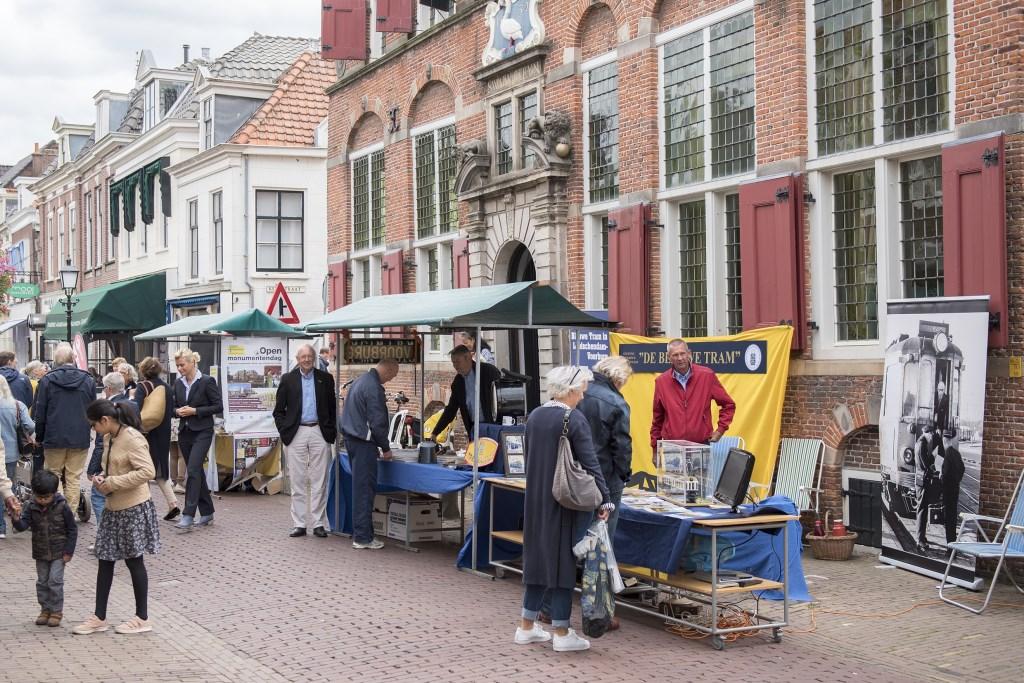 In de Voorburgse Herenstraat was het weer gezellig druk (foto: Michel Groen). Foto: Michel Groen © Het Krantje