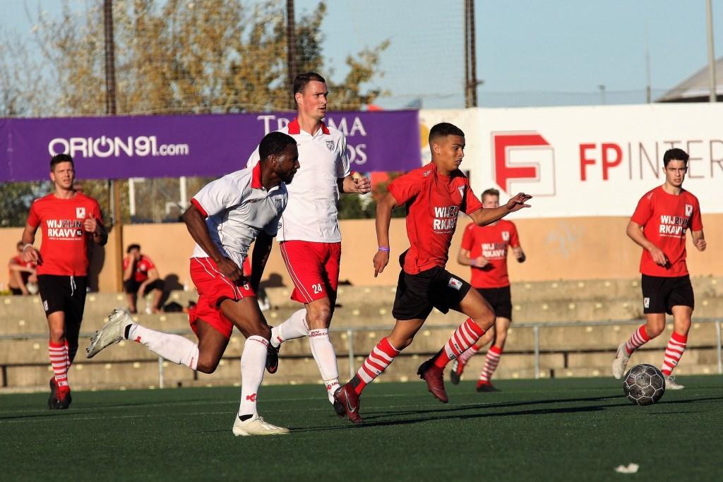 Hayden Bergen (RKAVV) scoorde het enige doelpunt in het oefenduel in Spanje.  © Het Krantje