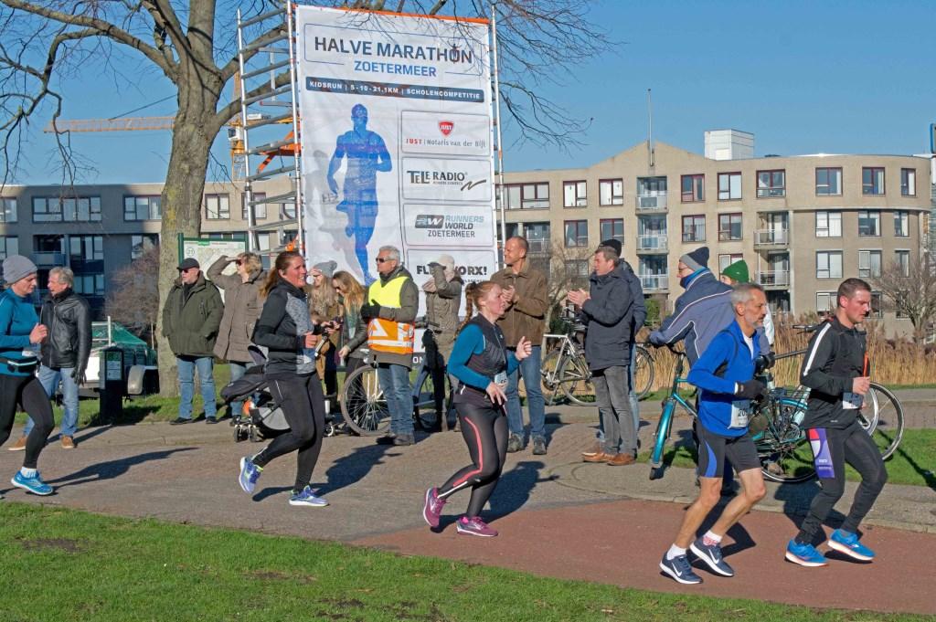 De Rokkeveense Dekkerloop zal vanaf dit jaar voortaan de naam Halve Marathon Zoetermeer voeren. Foto: stiefpaparazzi  © Postiljon