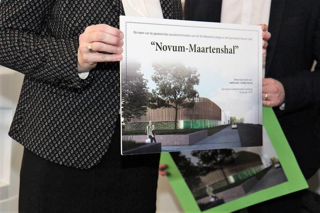 De officiële bekendmaking van de naam van het nieuw te bouwen gymzalengebouw (foto: Ap de Heus).  © Het Krantje