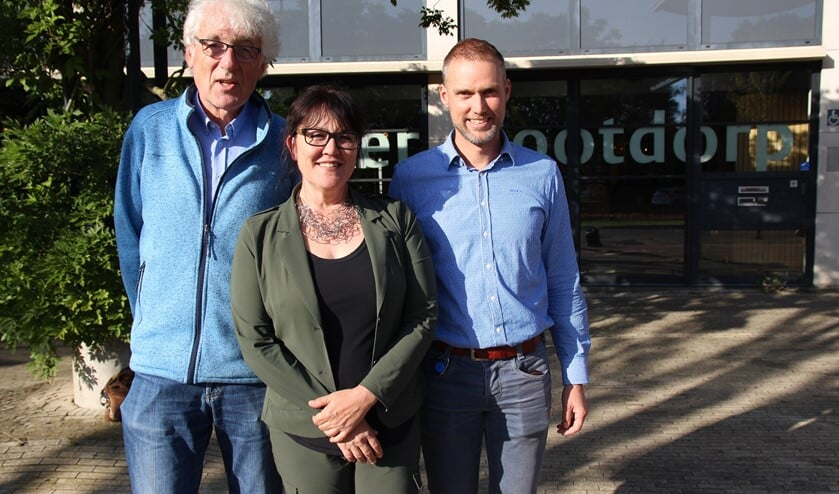 Hanneke van de Gevel, Jan Zandijk (links) en Erik Visser blikken vooruit op het GGZ Café. Dat gaat over de gevolgen van de nieuwe GGZ-wet.