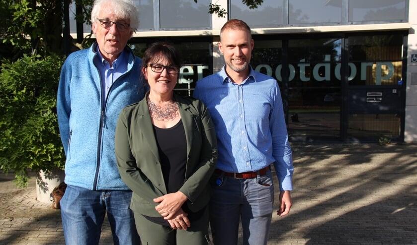 Hanneke van de Gevel en de organisatoren Jan Zandijk (links) en Erik Visser blikten in de krant van vorige week al vooruit op het GGZ Café.