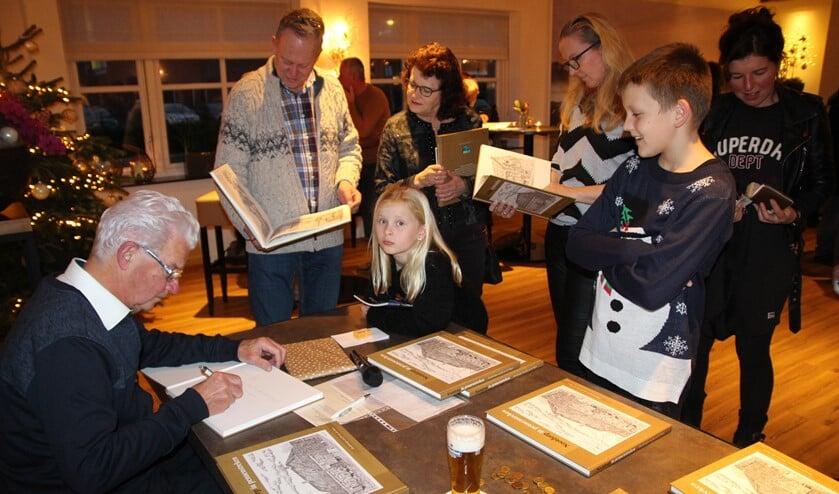 Jan van der Sman is zaterdag tussen elf en twee bij Bruna Nootdorp.