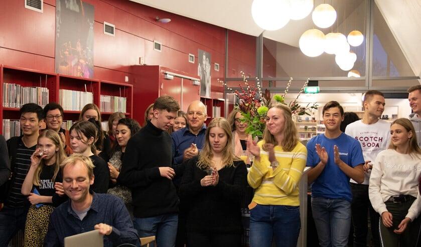Het was een mooie afsluiting van het tweede jaar van Netwerk Young Connection waarbij de jongeren met elkaar al meer dan 900 uur vrijwilligerswerk hebben gedaan.