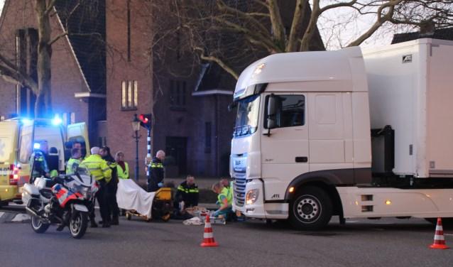 Een ernstig ongeluk bij de kruising van de Eerste Stationsstraat met de Oranjelaan/Karel Doormanlaan. Foto: Spa-Media