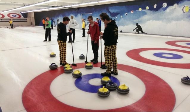 Ga de uitdaging aan om te strijden om de titel Open Zoetermeers Shortcurlingkampioen. Foto: pr