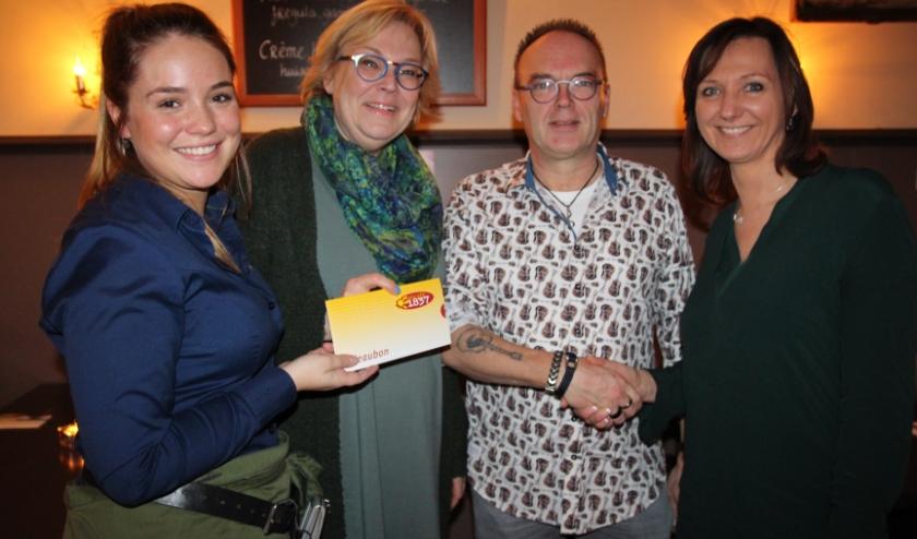 Chris en Erna wonnen de hoofdprijs van de Nieuwjaarspuzzel: een diner voor twee bij Grand Café 1837.