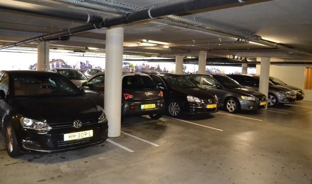 In de parkeergarage Damplein wordt zo snel mogelijk een blauwe zone ingesteld (archieffoto).