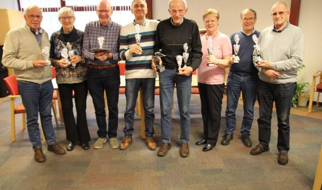 De prijswinnaars met z'n allen op de foto.