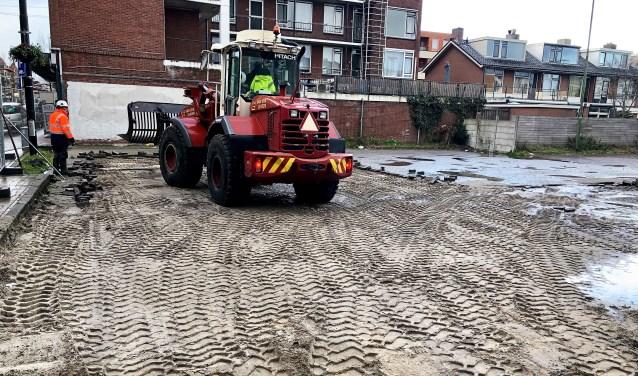 Doordat de werkzaamheden aan het Molenpad/Damstraat van start zijn gegaan is parkeren in Leidschendam Centrum nu echt een serieus probleem geworden (foto: pr VVD).