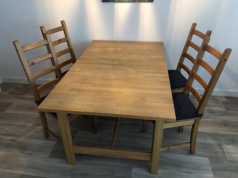 Houten Eettafel Ikea Uitschuifbaar.Eettafel Inclusief Vier Stoelen Marktplein