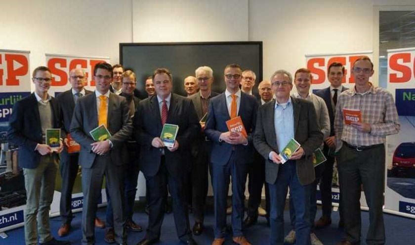 Groep bestaande uit afvaardigingen van Provinciale Staten, alle Waterschappen uit Zuid-Holland en lokale fracties. Foto: pr