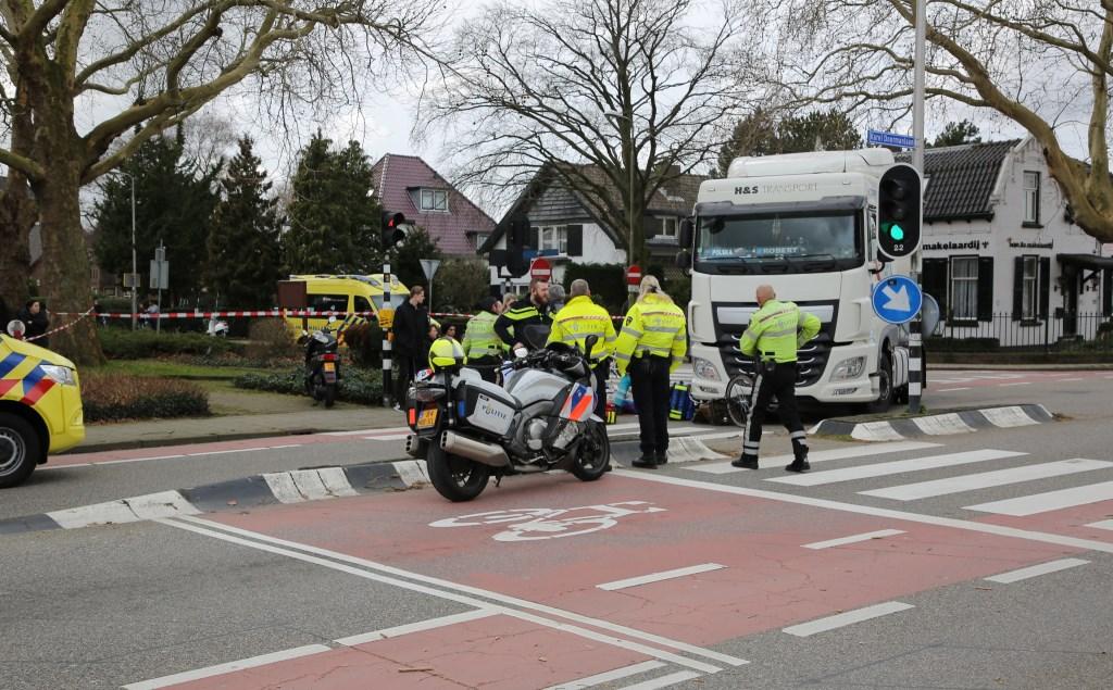 Inzet van politie en ambulancepersoneel. Foto: Spa-Media  © Postiljon