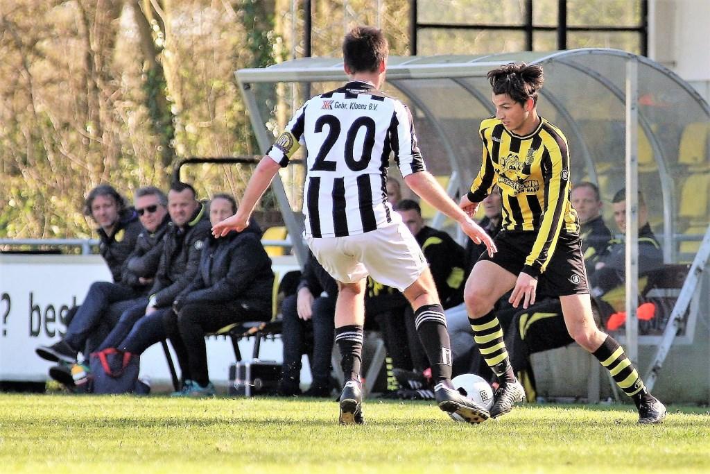 Jacky Adam (Wilhelmus) was met 3 doelpunten de beste man van het veld zondag (foto: AW).  © Het Krantje