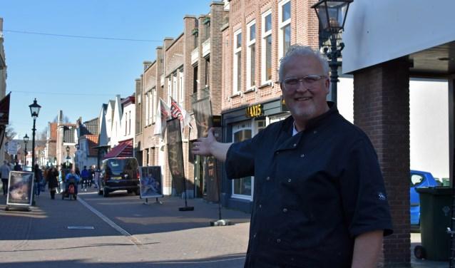 Richard Mol: 'De Dorpsstraat is een verborgen pareltje met zijn oude huisjes met geveltjes en bijzondere winkels'. Foto: Renate Mamber