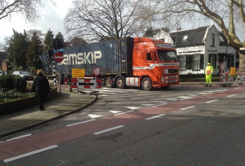 De situatie op zaterdag 9 maart, toen het tijdelijk fietsverbod net was ingesteld.  © Postiljon