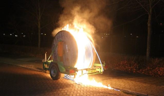 Kabelhaspel in brand gestoken aan de Prins Bernhardlaan in Voorburg (archieffoto Regio15.nl).
