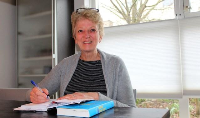 Joke Verplanke wil de in het slop geraakte buurtbemiddeling in Leidschendam-Voorburg weer nieuw leven inblazen (foto: DJ).