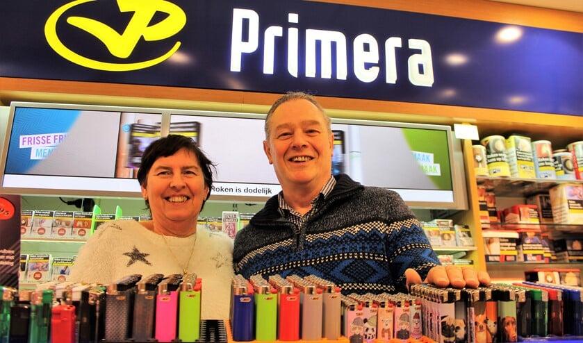 Miranda en Lamber de Koning. Over anderhalve week nemen zij afscheid en verandert de naam van hun winkel van Primera de Koning in Primera Damlaan (foto: DJ).