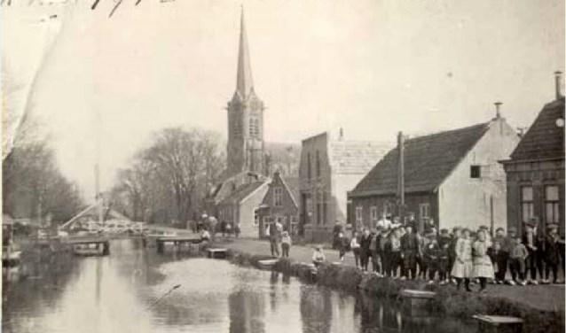 De Laurentiuskerk in Stompwijk rond 1910 (foto: collectie Frans van der Helm).